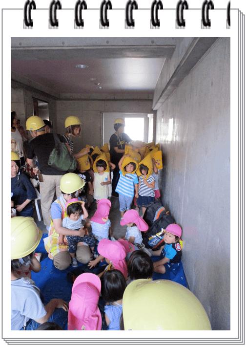 市営住宅避難場所への避難訓練